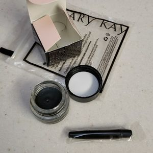 Mary Kay black gel eyeliner